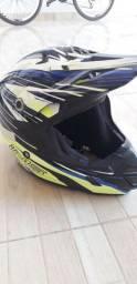 Vendo este capacete muito bem conservado por 350 da IMS