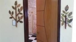 Aluga-se apartamento com excelente localização R$ 800,00
