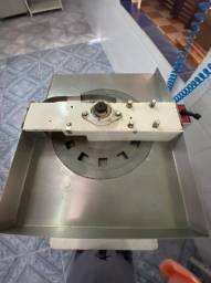 Máquina prensa paçoca