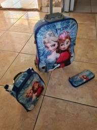 Kit mochila de rodinhas+lancheira+estojo da Frozen