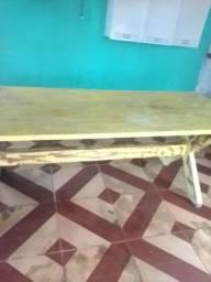 Mesa grande bem conservada duas mão de verniz mas celadora