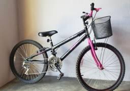 Título do anúncio: Bicicleta aro 24 - 18 Marchas. Semi nova, com cestinha