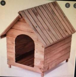 Casinha de madeira pequena