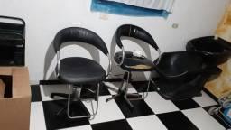 Cadeiras de cabeleleiro e ?avatoria