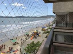 Apartamento Meia Praia Frente mar com 3 quartos com ar