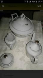 Sopeira e conjunto de porcelana antigo