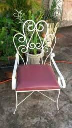 Cadeiras de área de ferro são 4 cadeiras
