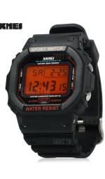 SKMEI 1134 Relógio digital Masculino Esportivo Resistente a água - Fundo Laranja