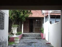 Casas com 7 quartos sendo 3 suítes- Tv do Chaco- próximo HSM-Marco