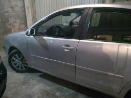 Vendo ou troco carro muito conservado completo - 2006