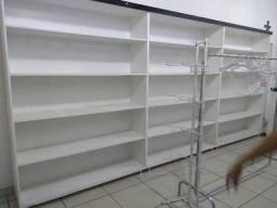 Fundo de loja roupas e acessórios