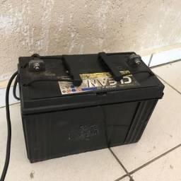 Bateria estacionária Moura