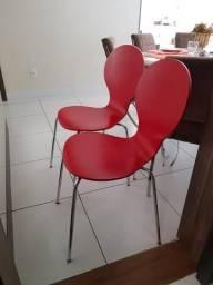 Cadeiras vermelhas tokstok