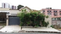 Casa próximo a Casa da Industria, a Fernandes Lima e faculdade (cód. 4840)