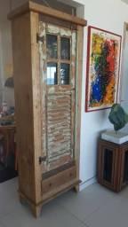 Belissimo móvel de madeira de demoliçao