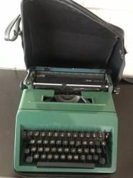 Maquina de escrever OLIVETTI Studio 45