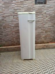 Freezer Electrolux FE26