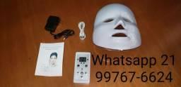 Máscara LED R$370,00