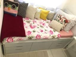Vendo cama de solteiro com gavetas em ótimo estado
