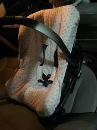 Bebê conforto marca Nuna com isofix