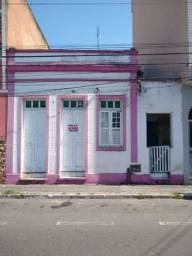 Título do anúncio: Casa à venda com 4 dormitórios em Lavapés, Resende cod:2727