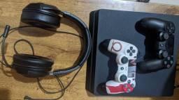 PS4 Slim com controle pro