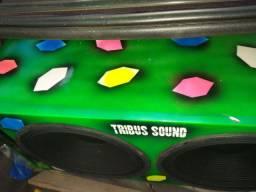 Vendo caixa com dos grave de 15 da kromus de 300 voice   valor 1100