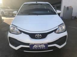 Título do anúncio: Toyota Etios Sedan 2018 completo / Entrada + 48x R$ 1097,00