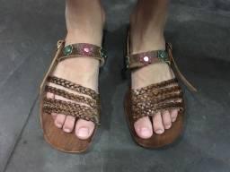Linda sandália de couro tamanho 34