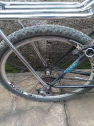 Bicicleta aro 26 semi nova