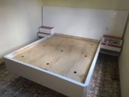 Cama Queen Size madeira com colchão
