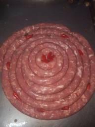 Linguiça caseira 100% cortada a faca com todas as parte do porco