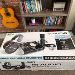 Kit de Gravação M-Audio M-Track 2×2 Vocal Studio Pro