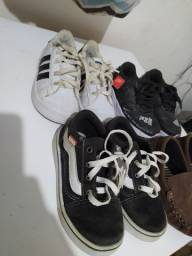 Título do anúncio: Sapatos e sandalia são 10 pares por 100 preço negociável