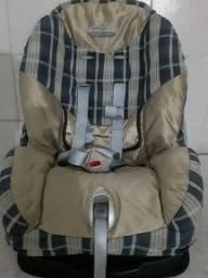 Título do anúncio: cadeirinha de criança 250  reais