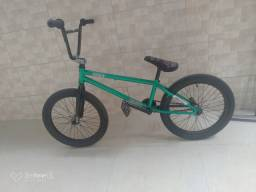 BMX COLONY EMERGE