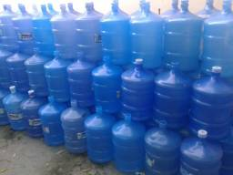 Vendo um deposito de água mineral