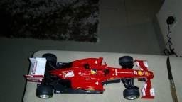 Ferrari F138 (Controle remoto)