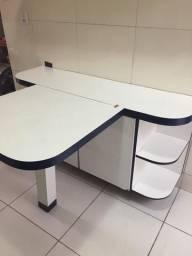 Balcão com mesa