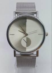 Relógio Prata Casual Feminino