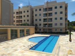 Alugo apartamento com 3 quartos em condomínio fechado no Aquiraz