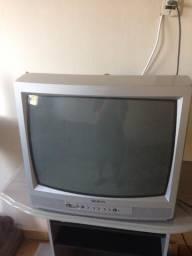 3 televisões 17 polegadas 50 reais cada uma