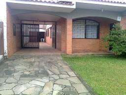Casa de 3 dormitórios no bairro Girassol