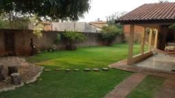 8445 | Casa à venda com 4 quartos em Parque Alvorada, Dourados
