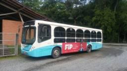 Ônibus Jardineira turismo