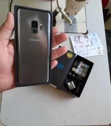 S9 128gb com caixa e todos acessórios (Detalhe mínimo na tela)