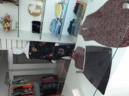 Vende-se loja de roupas femininas/boutique completa!