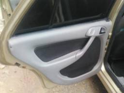 Carros - 2001