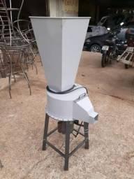 Máquina de triturar isopor e espumas / flocos