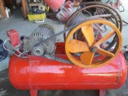 Compressor de Ar Trifásico